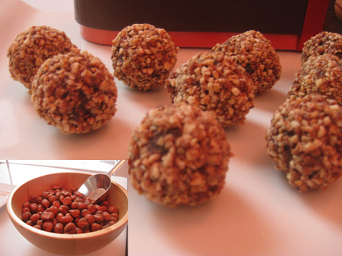 Praline Truffle from 1988, rolled in crushed hazelnuts
