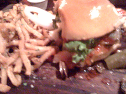 Murray's Cheeseburger (picture attempt, FAIL), $15